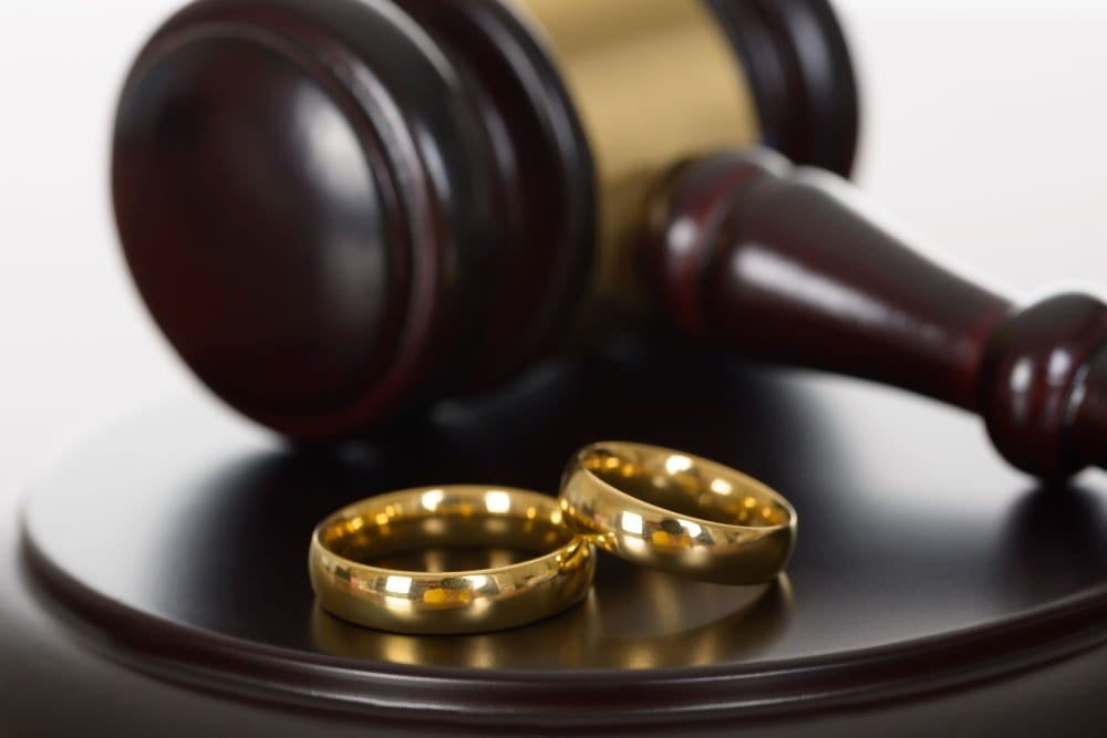 5 Reasons you need a divorce lawyer